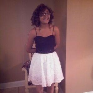 Bongo black white dress size 7